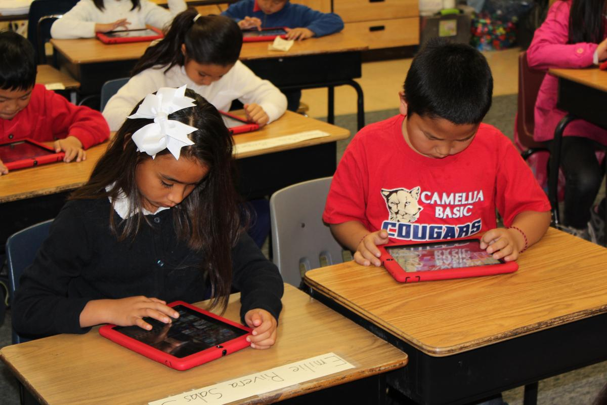 Image of iPads, Macbooks help Camellia students master Common Core