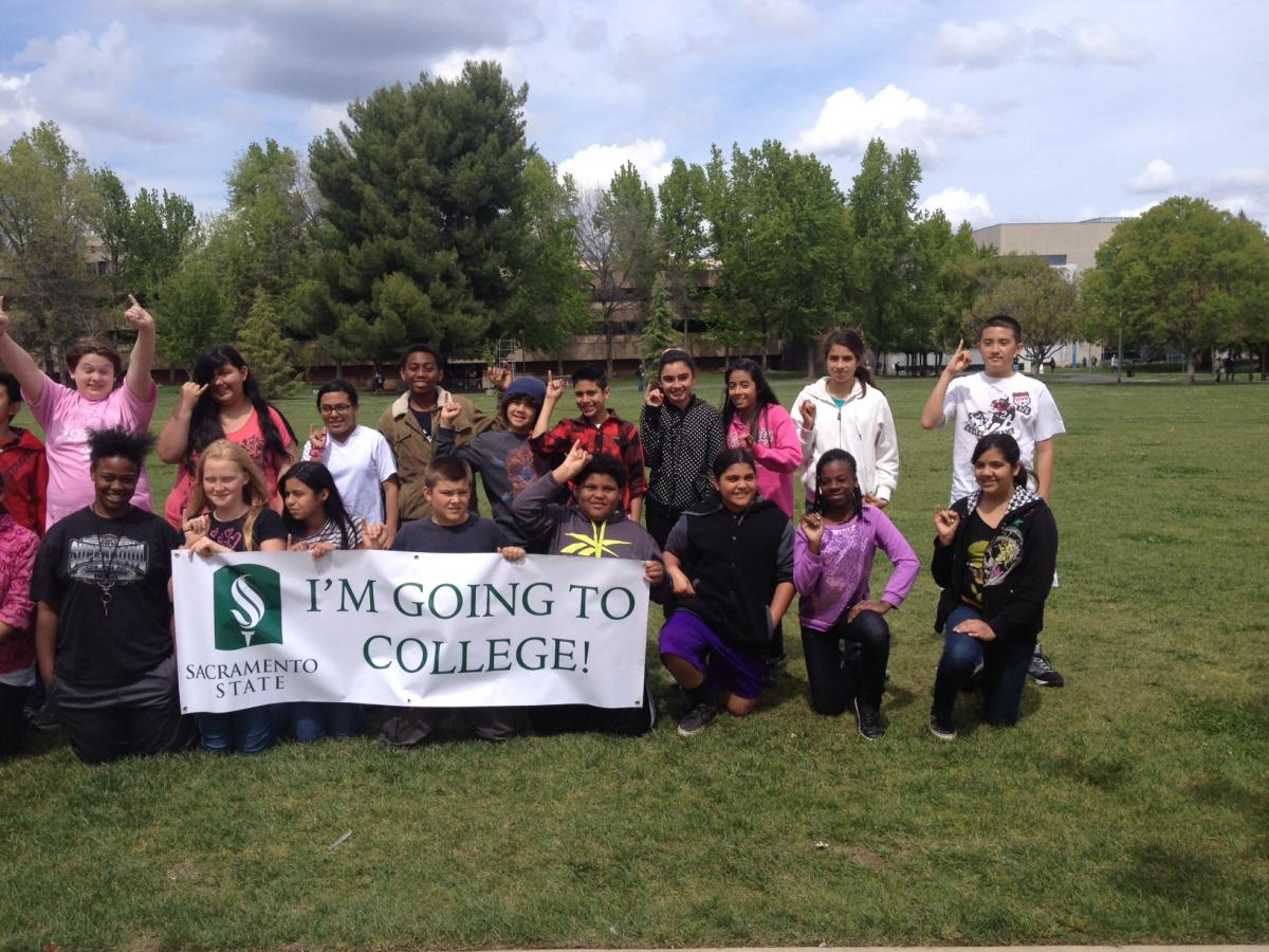 Image of Hollywood Park students tour Sacramento State