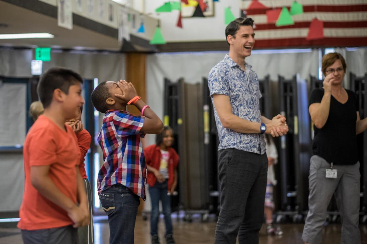 Image of Actor from London's Globe Theatre visits David Lubin Elementary