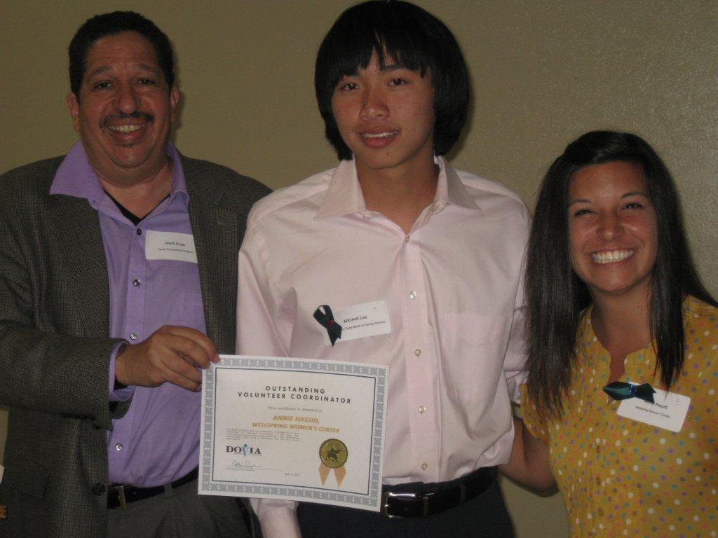 Image of Sacramento Food Bank honors SCUSD teen volunteer
